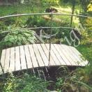 Gartenteich - Brücke mit Geländer