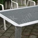 Gartentisch aus verzinktem Stahl