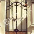 Tor dreiteilig für St. Martinskirche im Illertissen Iller, Schmiedeelemente Blattvergoldet