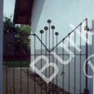 Gartenpforte aus Eisen in zeitgemäser Form geschmiedet, verzinkt und lackiert