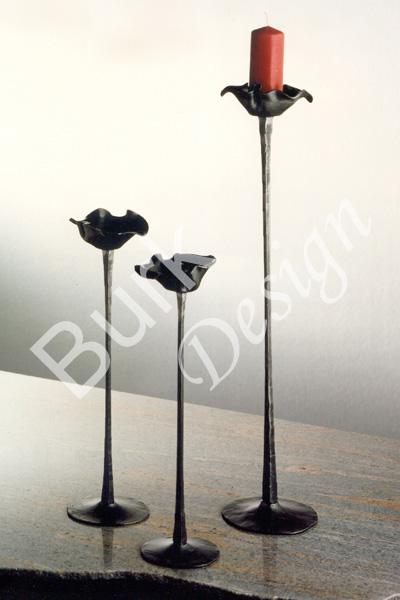 Geschmiedete Tischleuchter aus Eisen in unterschiedlichen Höhen