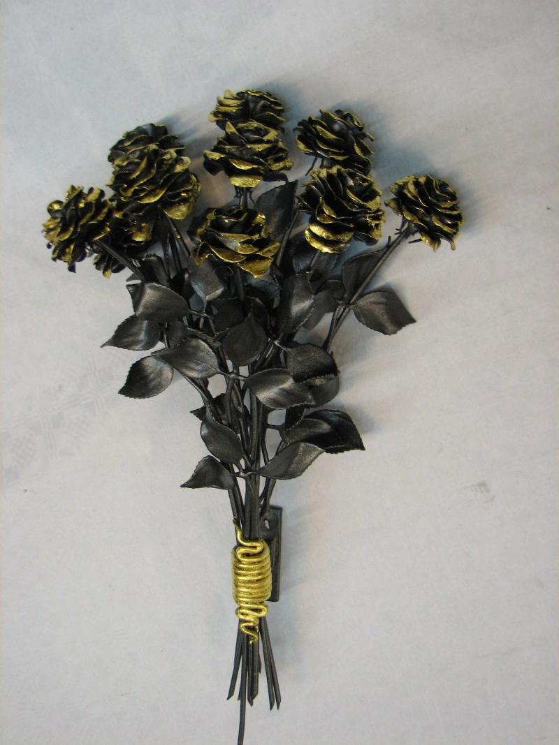 Geschmiedete Rosen, lackiert und blattvergoldet. Einzeln bestellbar, Größe ca. 40cm