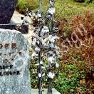 Grabmal geschmieder, Rebenstock und Rosenstock aus Eisen, verzinkt und lackiert