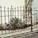 Gartenzaun mit filigrauen Füllstöben geschmiedet, verzinkt und lackiert